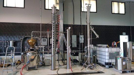 Courtenay, Canada: distillation area