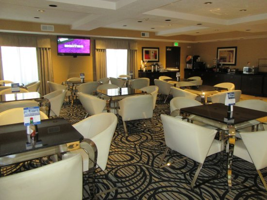 Best Western Plus Airport Inn & Suites: Breakfast Room, Best Wetseren Plus Airport Inn  & Suites, Salt Lake City, Utah