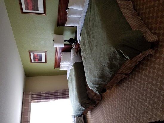 Country Inn & Suites By Carlson, Hobbs: 20170702_154857_large.jpg