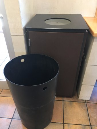 Muldraugh, KY: Trash can left out in the open while employee took smoke break