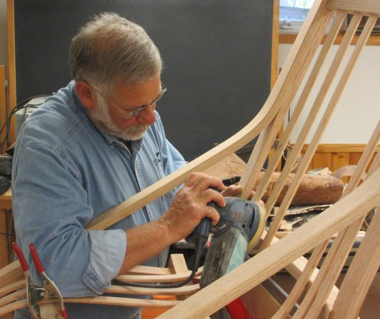 Lake Luzerne, État de New York : Working on the Sagamore chair