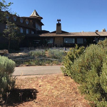 Thunderbird Lodge: photo1.jpg