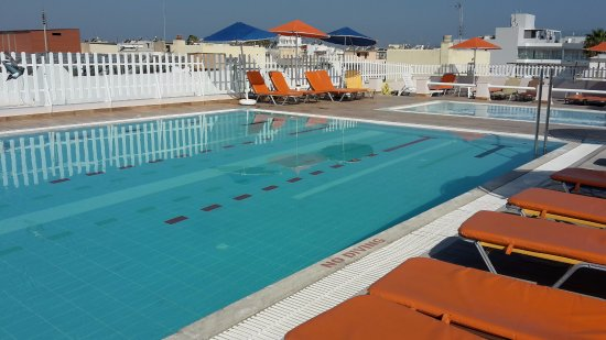 pool auf dem dach bild fr n kosta palace kos stad tripadvisor. Black Bedroom Furniture Sets. Home Design Ideas