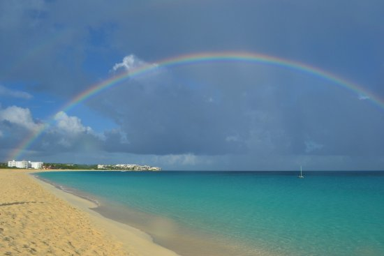 Carimar Beach Club: beautiful rainbow after a shower