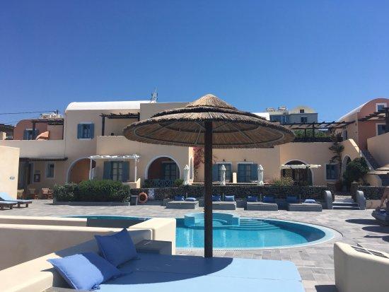 Anemoessa Villa: Vista desde la piscina