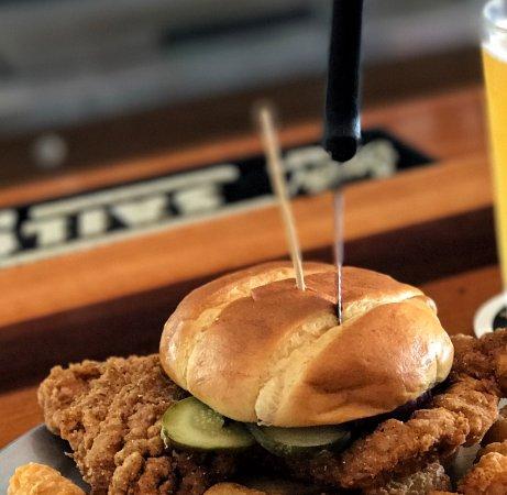 Ρότσεστερ, Ιντιάνα: Perfect Pork Tenderloin Sandwich