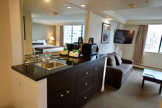 Century plaza hotel spa updated 2017 reviews price for A salon century plaza