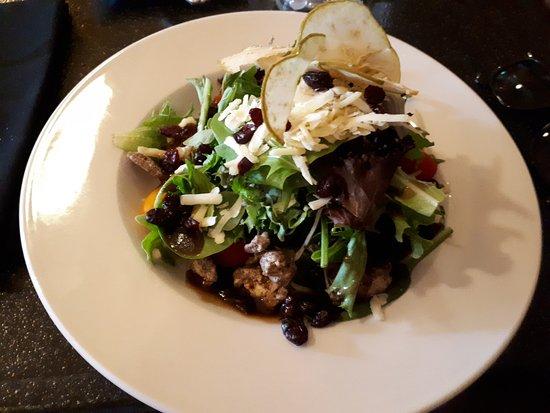 Parrsboro, Canada: Delicious Treasure Salad. Apples, raisins, Fresh Gouda cheese and lovely dressing.