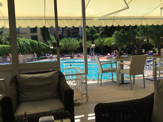 Carlton International Hotel: photo1.jpg