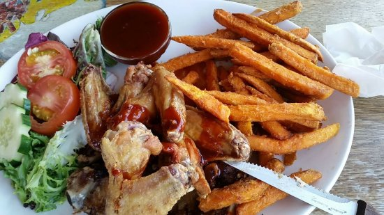 West Coast Rock Cafe: chicken wings absolutley gorgeos