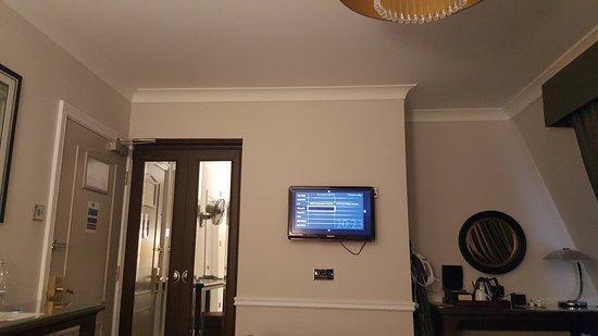 Charlton Kings, UK: Tiny TV - impossible to read menu
