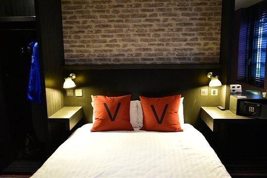 nice lighting. village hotel glasgow comfy bed nice lighting