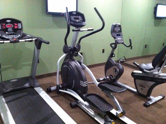 Sleep Inn & Suites Downtown Inner Harbor: exercise room
