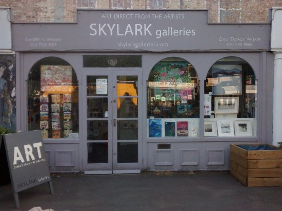 ‪Skylark Galleries‬