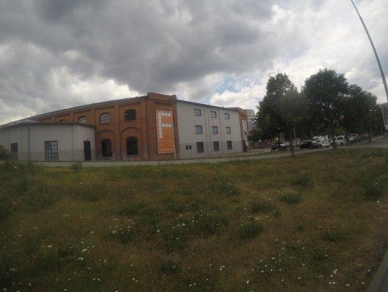 Brno, جمهورية التشيك: A distant shot of Fait Gallery