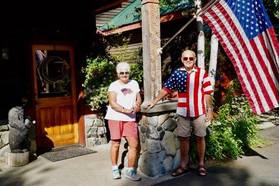 Chewuch Inn & Cabins: Entrance to the Inn
