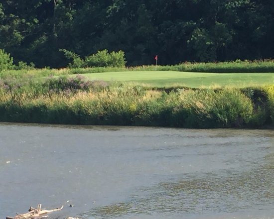 Lanesboro, MN: River on 3 sides of this golf hole