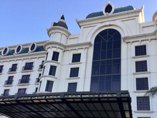 Kempton Park, Sydafrika: Fachada e entrada do hotel