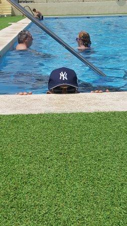 Hotel Albahia: Hot Down By The Pool....