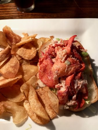 Jailhouse Tavern: lobster roll
