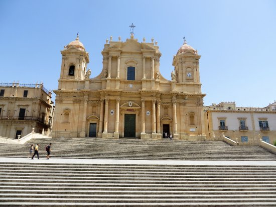 Etna Trip - Day Tours: Beautiful Baroque cathedral at Noto