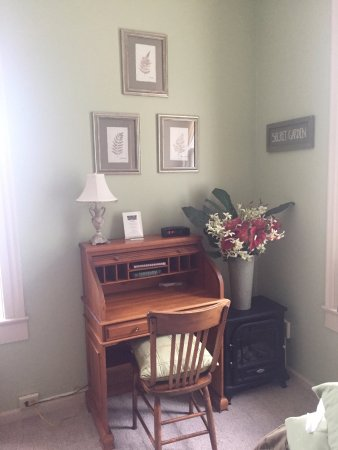 Lanesboro, MN: Desk in room 9