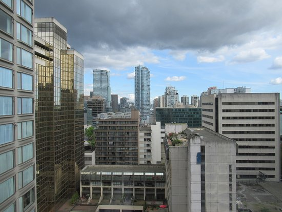 Sutton Place Hotel Vancouver: The view from our room