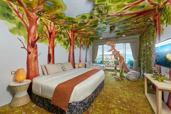 Nice Hong Kong Gold Coast Hotel: Dinosaur Themed Room