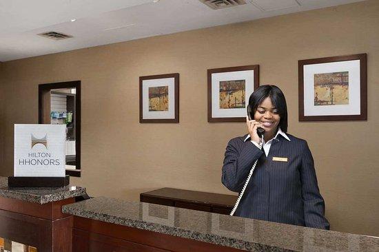 Wayne, Pensilvania: Welcoming Front Desk
