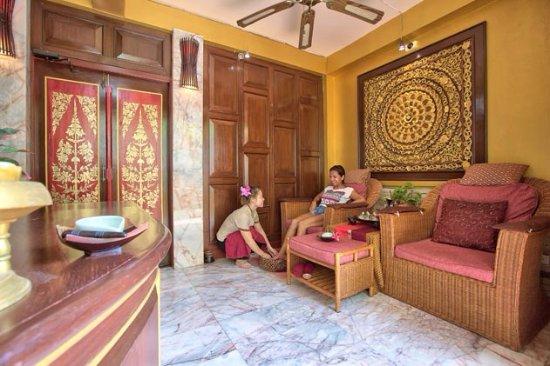 Sandalwood Luxury Villas: spa