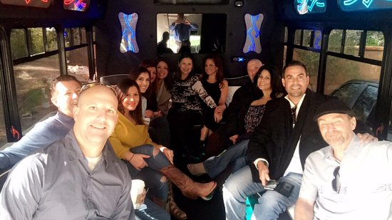 Santa Ynez, CA: Limo bus to the winery was great.
