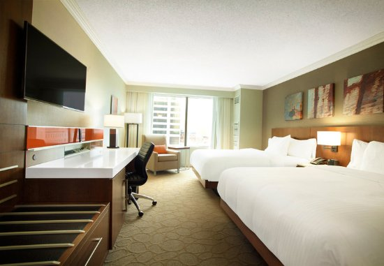 Delta Hotels by Marriott London Armouries: Double/Double Guest Room - City View