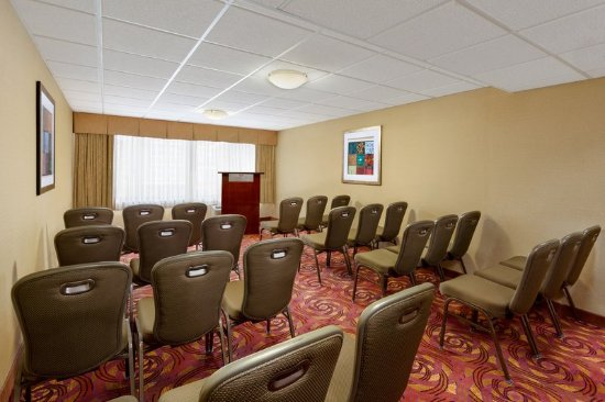 Englewood, NJ: Meeting Room