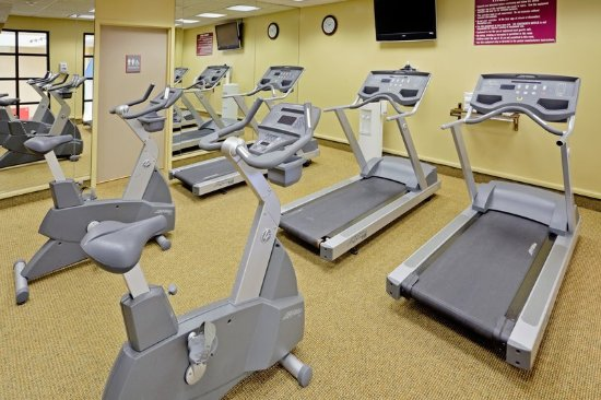 Englewood, NJ: Fitness Center