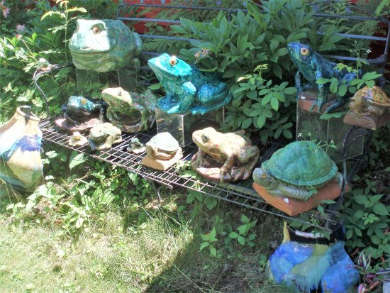 Hoffman's Pottery: Lawn ornaments