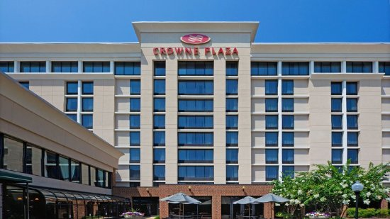 Crowne Plaza Tysons Corner: Our Tysons Corner hotel offers Free Parking to all guests.