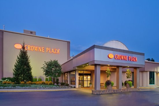 Crowne Plaza Hotel Chicago - Northbrook: Hotel Exterior