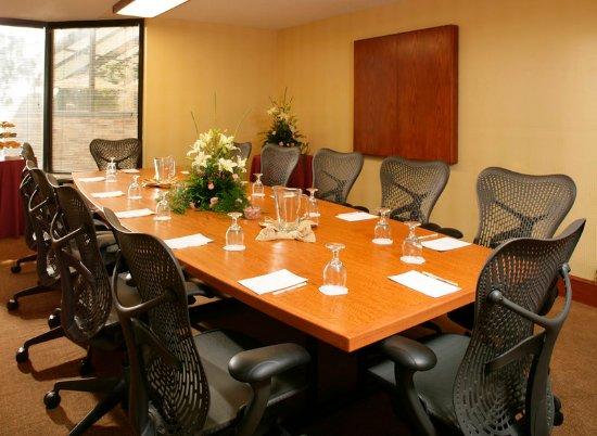 Oak Ridge, TN: Boardroom