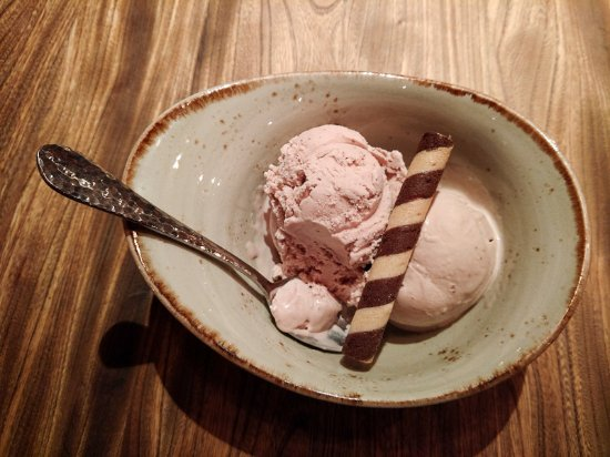 Smyth In The Iron Horse Hotel : Balsamic strawberry ice cream
