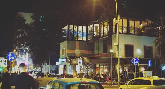 Raum Bar Tirana