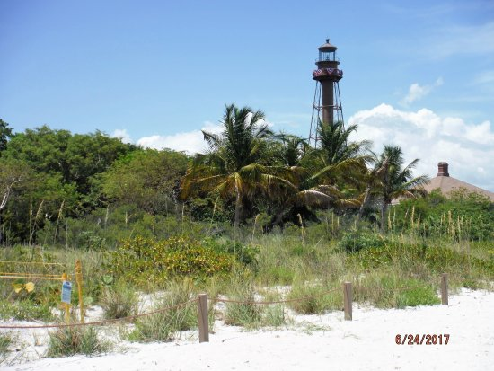 Superb Sanibel Island Lighthouse: Pretty Light House Beach View