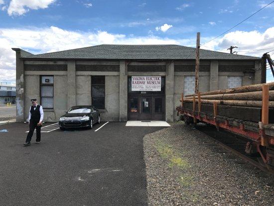 Yakima, WA: The Main Museum Building