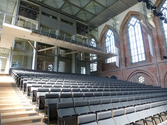 Neubrandenburg, Alemania: Another view inside the concert hall