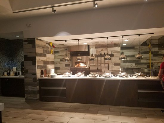 Breakfast Area - Picture of Embassy Suites by Hilton San