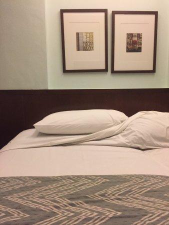 Tanaya Bed & Breakfast: Deluxe Room - good decor and lighting