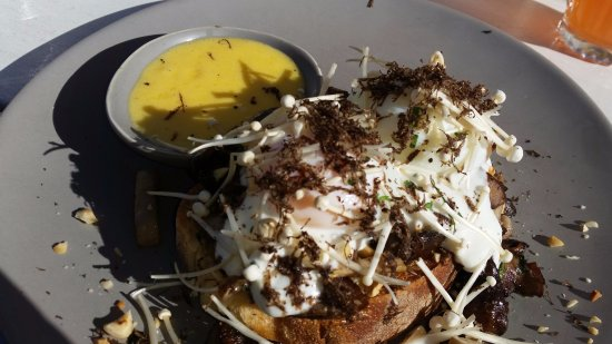 Swanbourne, Australia: Add truffles