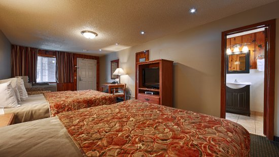 Courtesy Inn Eugene: Room With 2 QQ Beds