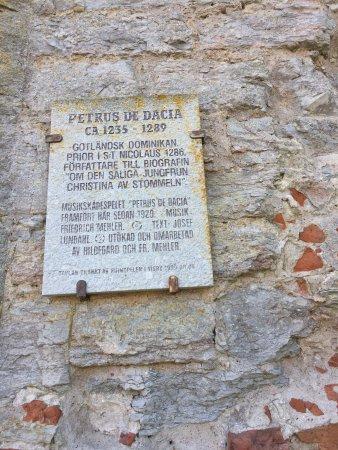 St. Nicolai Ruin : photo1.jpg