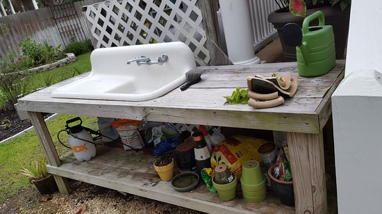 surf song bed breakfast outdoor garden sink - Outdoor Garden Sink