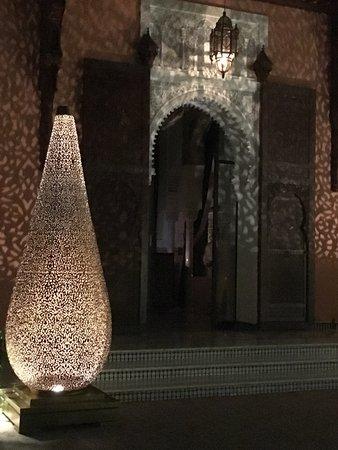 Royal Mansour Bar: Lampe Yaya